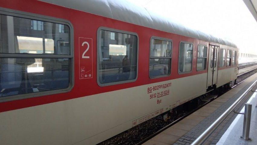 Движението между гарите Карлово и Антон се възстановява от септември