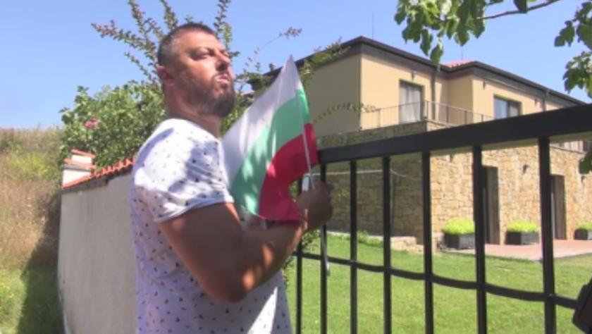 Прокопиев ще съди Бареков заради акцията пред имот на морето