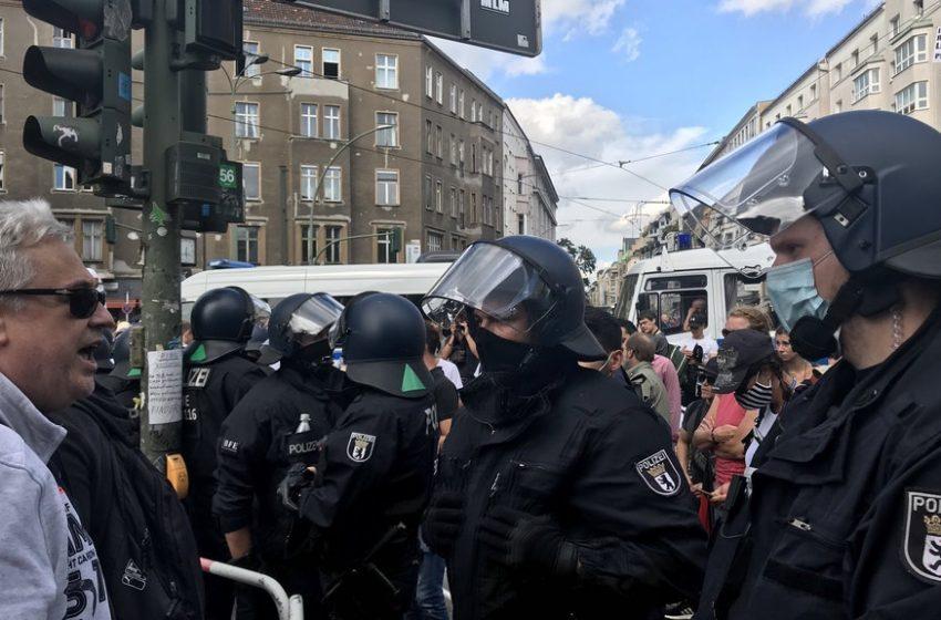 Полицията в Берлин разпръсна протеста срещу COVID – мерките