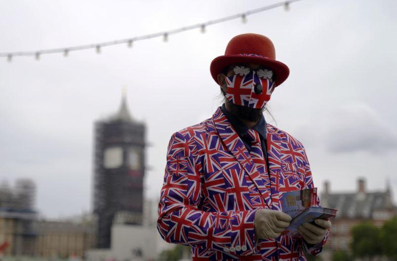 Свирепи ограничения във Великобритания до средата на февруари