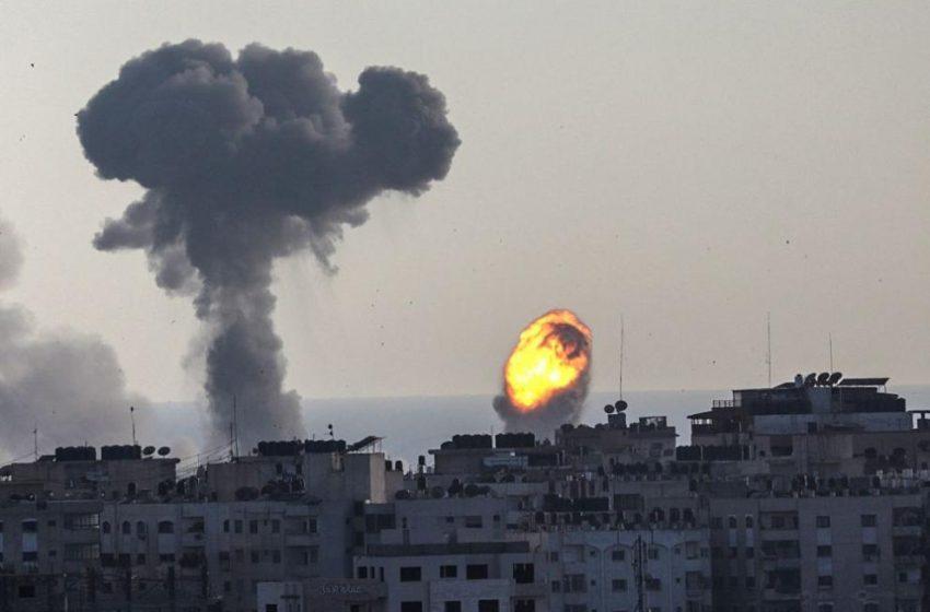 "Израел атакува ""Хамас"" в ивицата Газа"