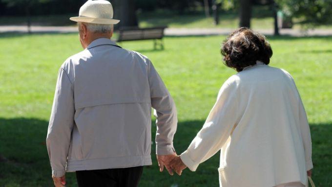 Всички пенсионери с 50 лв към пенсиите за септември и откомври