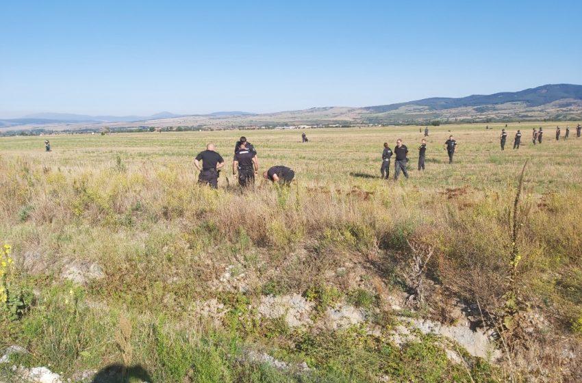 (ВИДЕО) Полицейска операция с участието на жандармерията се провежда от тази сутрин в Дупница