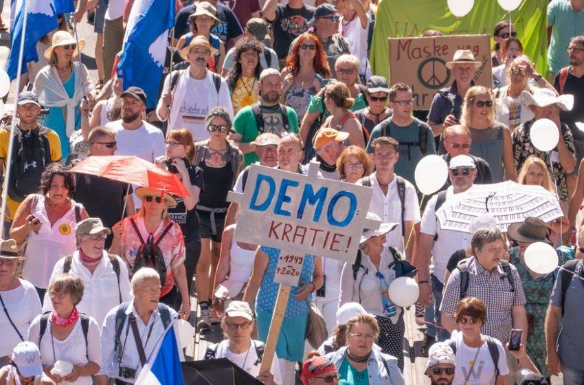 Берлин забрани протести заради COVID-19