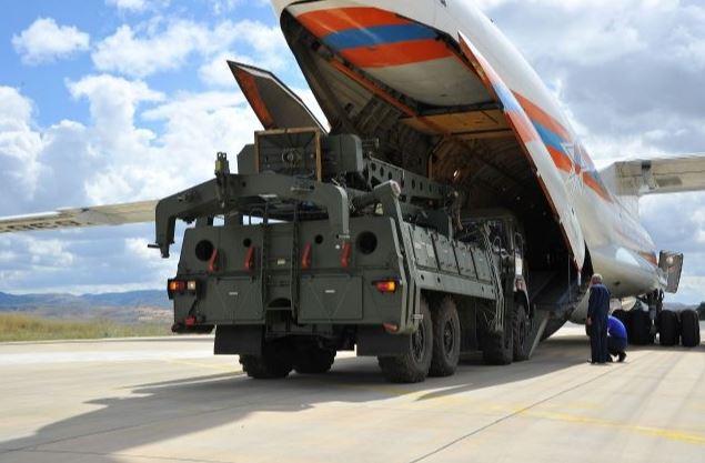Русия и Турция подписаха договор за доставка на две дивизии S-400
