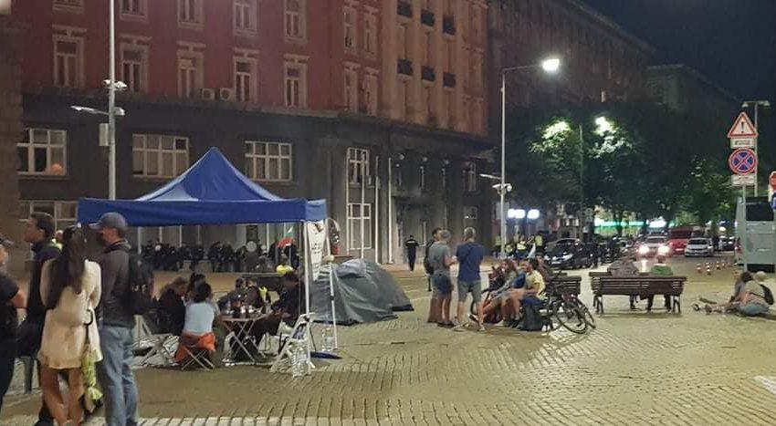 Полицията премахна всички палатки от кръстовищата в София