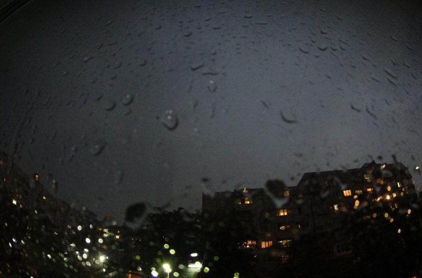 Обилни валежи в 12 области у нас