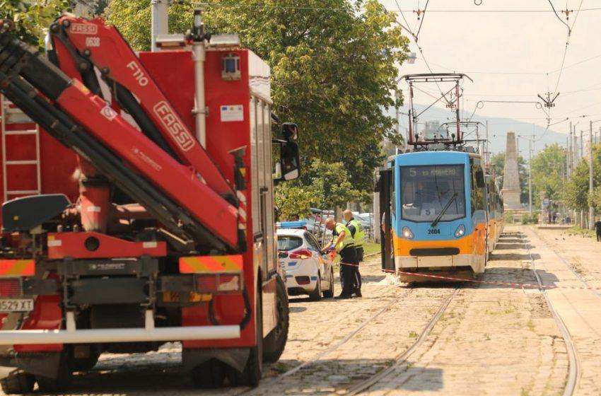 """Трамвай блъсна и уби жена в района на пл. """"Македония"""""""