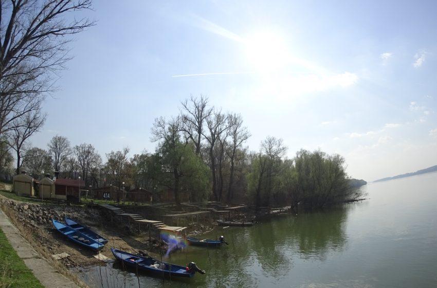 Дунав завлече 13-годишно момче край Силистра, катери го издирват