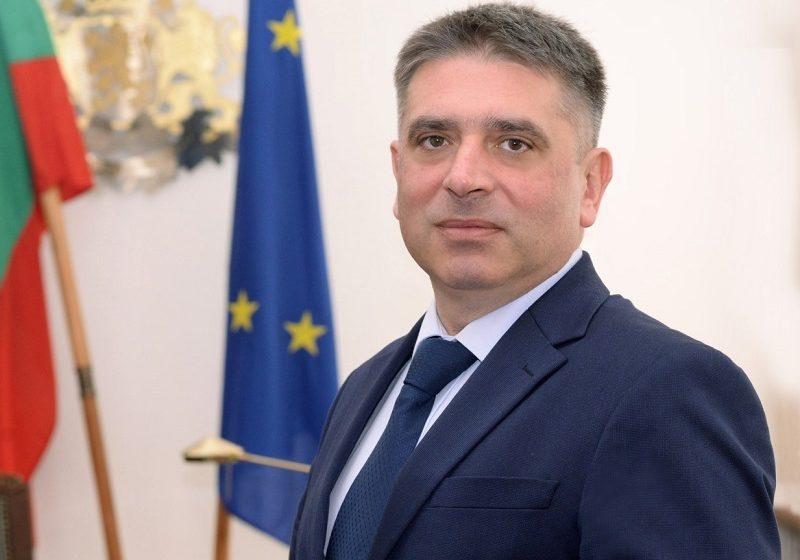 Данаил Кирилов подаде оставка