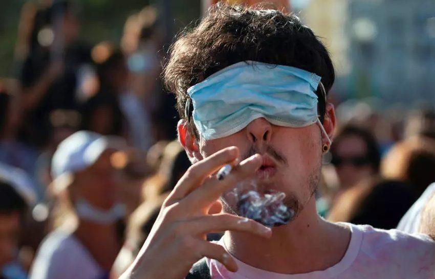 Хиляди протестираха в Мадрид срещу задължителното носене на маски