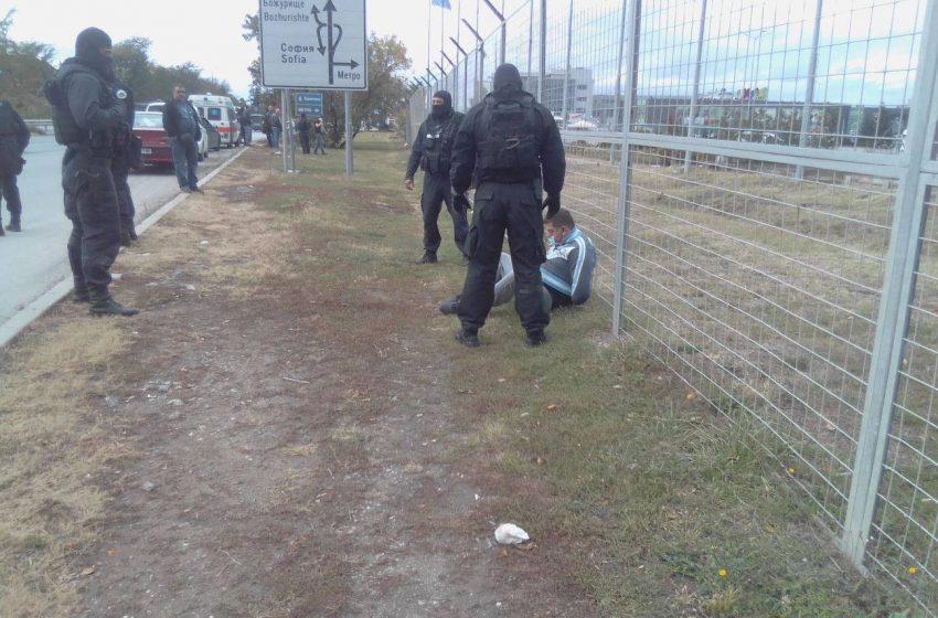 Само в bgreporter.info: Спец. акция се провежда на бул. Европа до отбивката за гр. Божурище