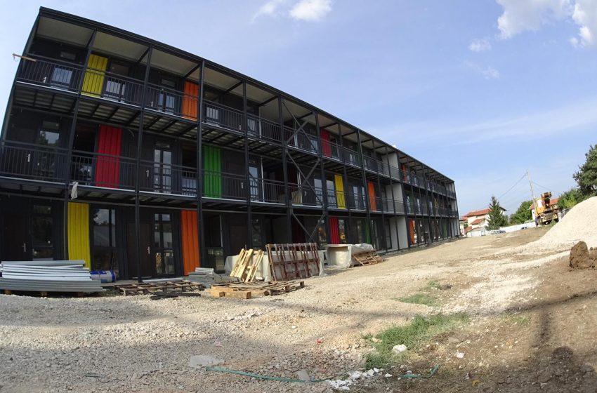 "(ВИДЕО) Само в BGreporter: Нови контейнер жилища заменят ""Виетнамските общежития"""