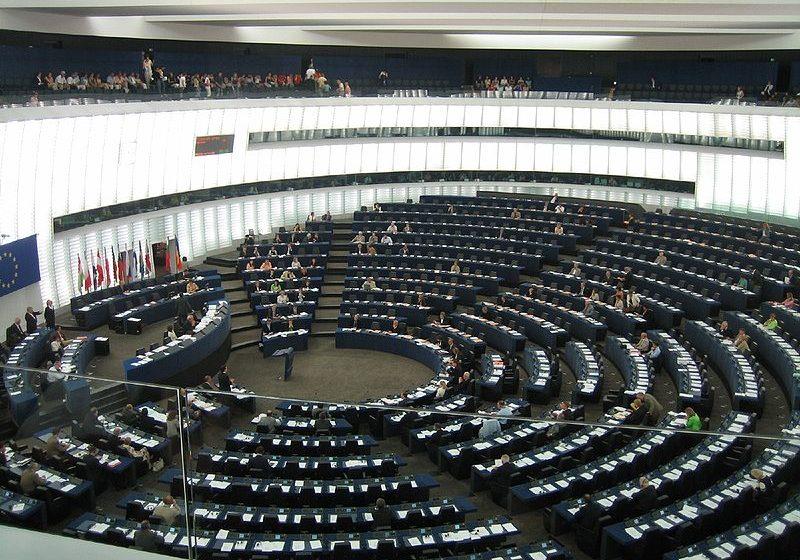 Европарламентът иска санкции заради Навални