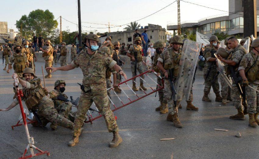 (ВИДЕО) Армията спря атака срещу президентския дворец в Ливан