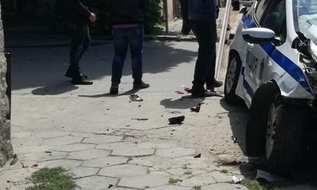 Пиян шофьор удари полицейска патрулка