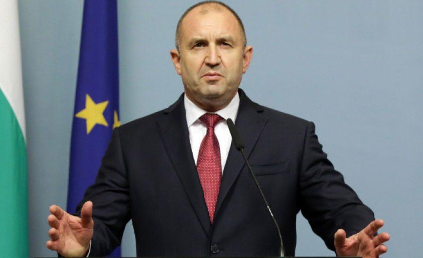 Румен Радев сезира КС за Временната комисия за Конституцията