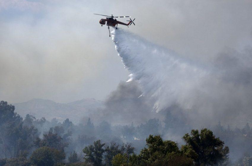 Огнена стихия бушува край Девин, подозират умишлен палеж