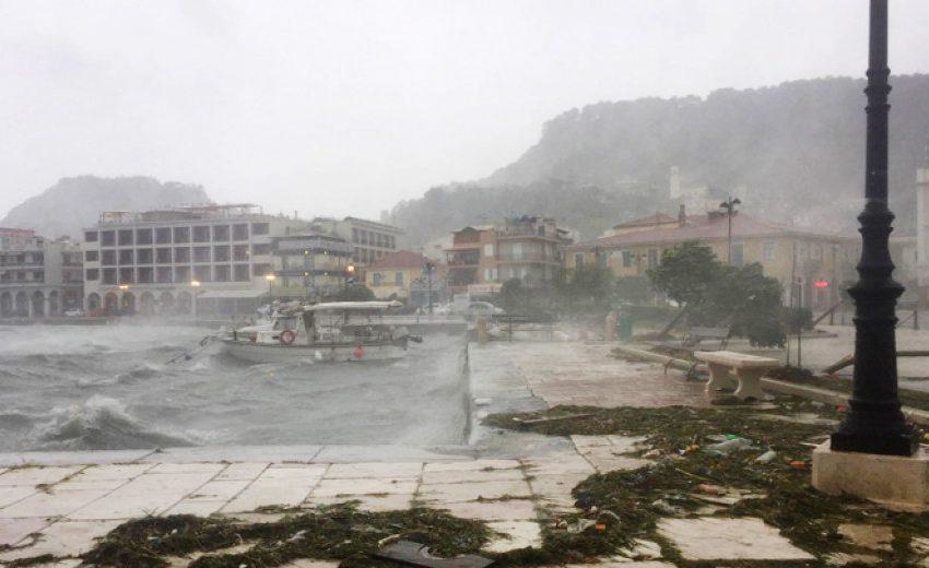 Циклонът Янос взе жертва в Гърция