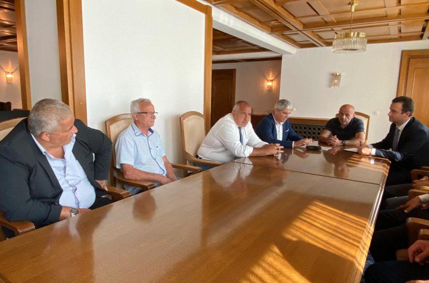 Премиерът се срещна с президента на КНСБ Пламен Димитров преди днешното заседание на Браншовия съвет за тристранно сътрудничество, минно дело и геология