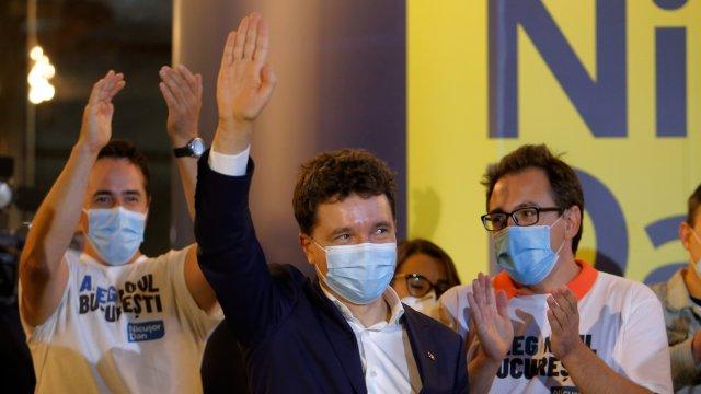 Кандидатът на десните партии в Румъния печели изборите за кмет на Букурещ