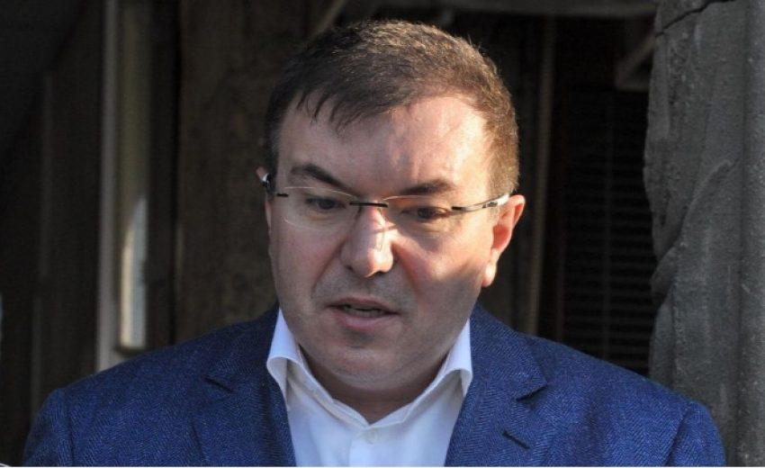 """България ще  ваксинира с """"АстраЗенека"""" и  възрастни пациенти над 55 години и над 65 години"""