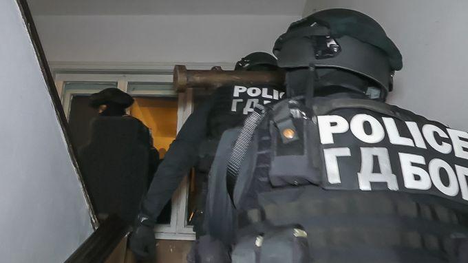 Акция в Бургас, девет души са задържани