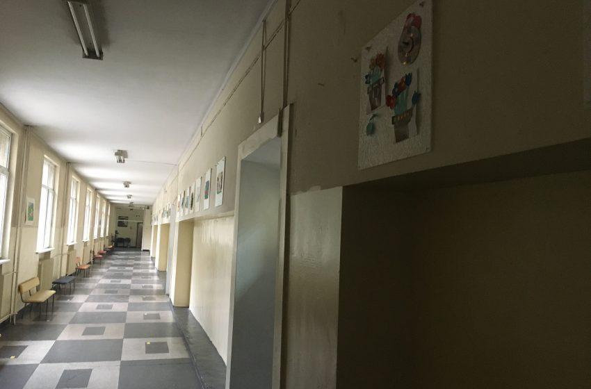 Нови случаи на COVID-19 в три русенски училища