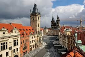 Чехия налага строги мерки, за да стопира напредването на ковид заразата