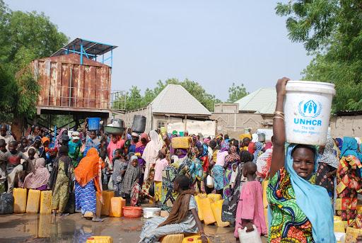 (Снимки) Протестите в Нигерия прерастват в гладни бунтове