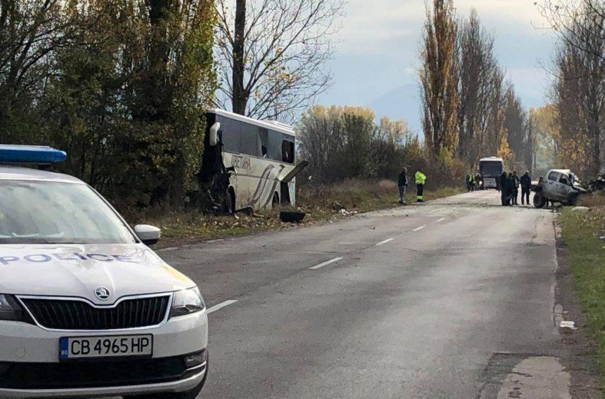Тежка катастрофа край Ботевград, има загинали