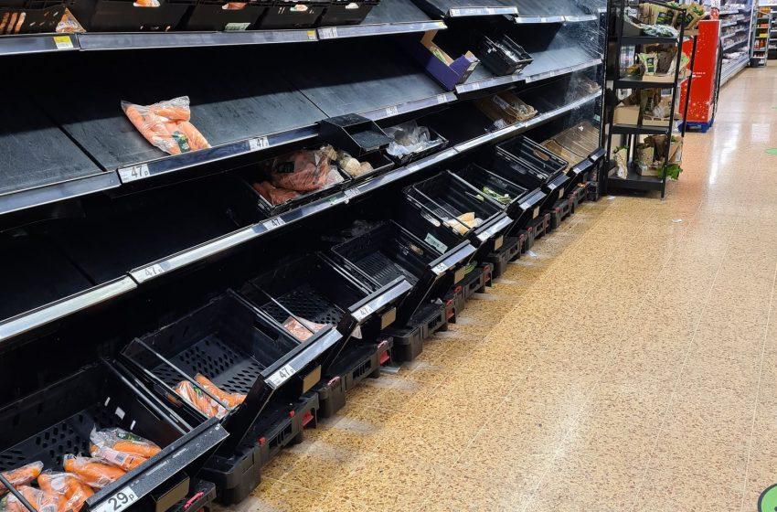 Трескаво пазаруване в Атина преди локдауна