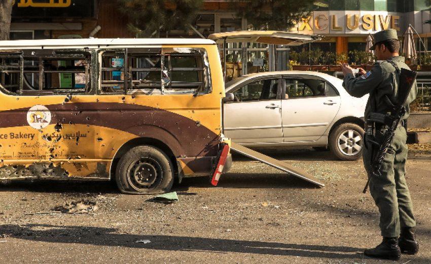 Ракетен обстрел в Кабул преди ключови преговори в Доха
