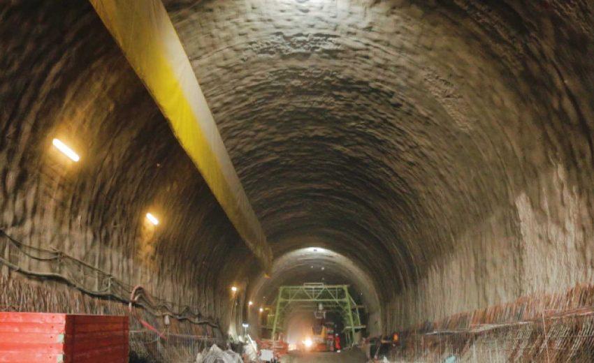 "Трудова злополука в тунел ""Железница"", няма срутване"