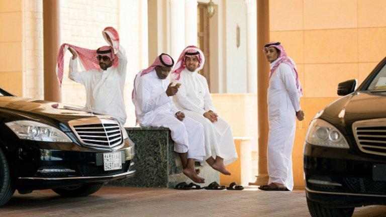 "Саудитска Арабия ""обедня"" с 27 млрд. долара заради коронавируса"