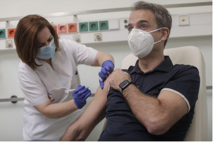 Гърция спира ваксинациите на държавници заради негативни реакции в медиите