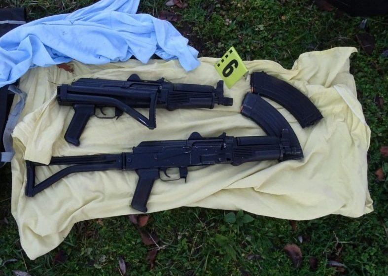 (СНИМКИ) Арестуваха мъж, стрелял с автомат по време на сделка за дрога в Пловдивско