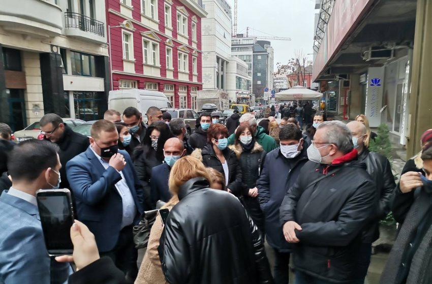 (ВИДЕО) Пловдивски социалисти щурмуваха Позитано 20