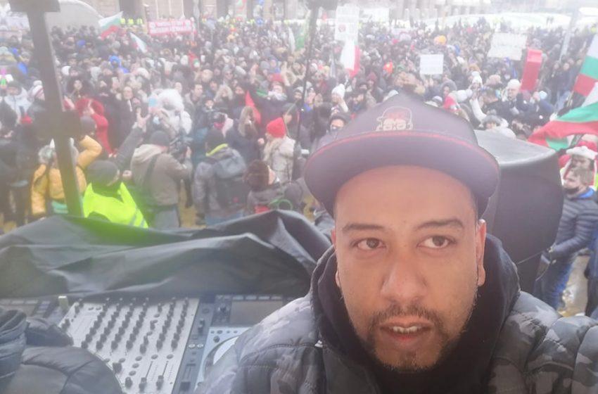 DJ ISP пред BGReporter: Протестирам защото искам да работя!
