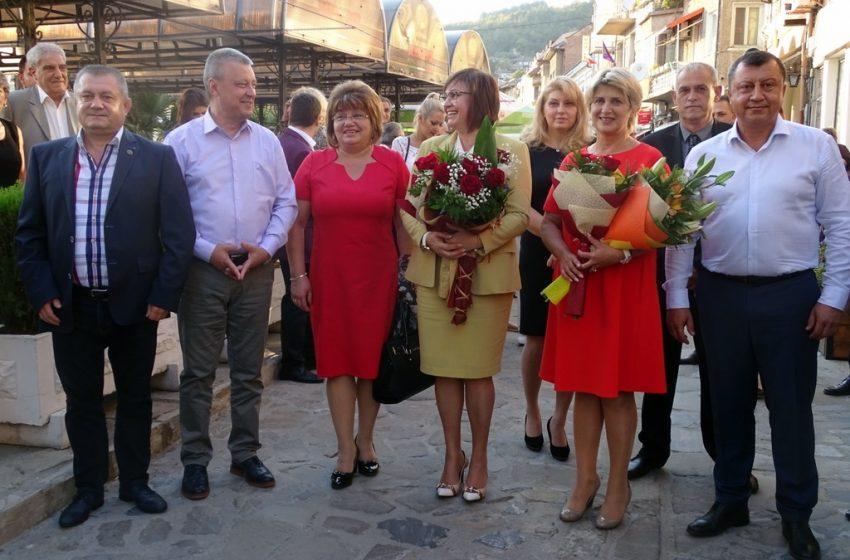 След Пловдив втори център на опозицията срещу Нинова става Велико Търново