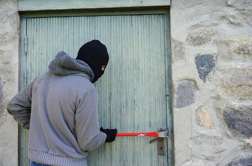Заловиха осъждан при жилищна кражба във Варна