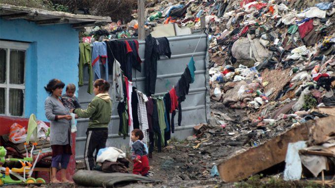 (ВИДЕО) Би Би Си с видеорепортаж за ромската изолация в Сливен