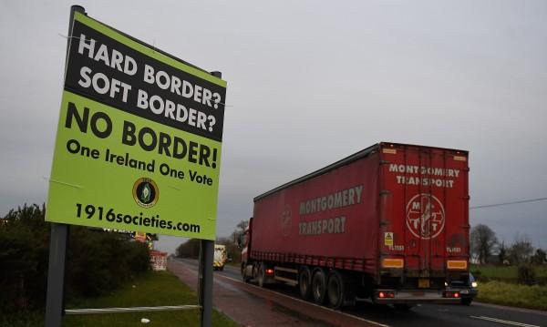 Северна Ирландия възобновява граничния контрол за стоки от Великобритания