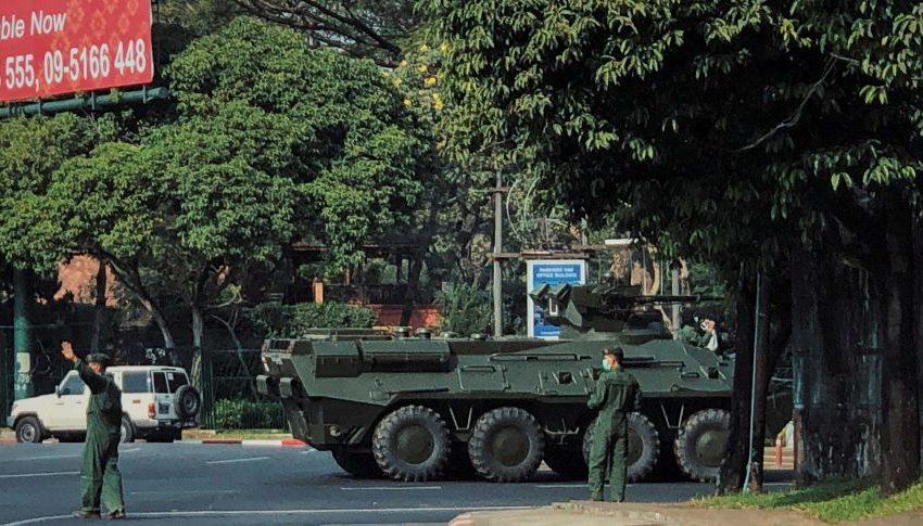 Армията поема властта в Мианма за една година