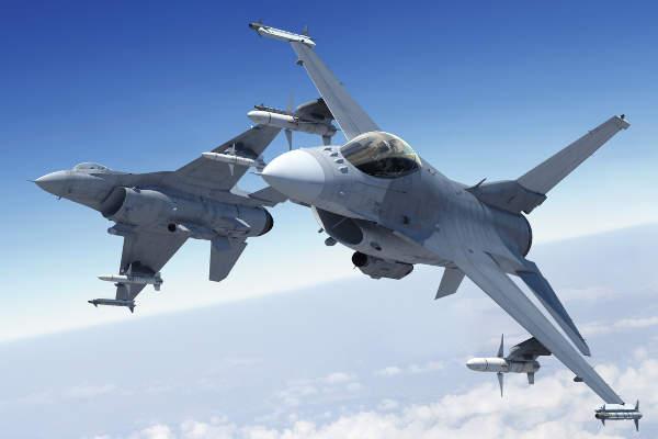 Предлагат самолети на НАТО да могат да пазят небето на България и Румъния