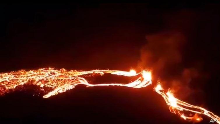 (ВИДЕО) Вулкан изригна в Исландия