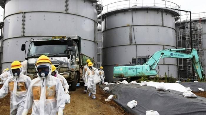"""Светът е в шок: Япония излива тонове вода от авариралата АЕЦ """"Фукушима"""""""
