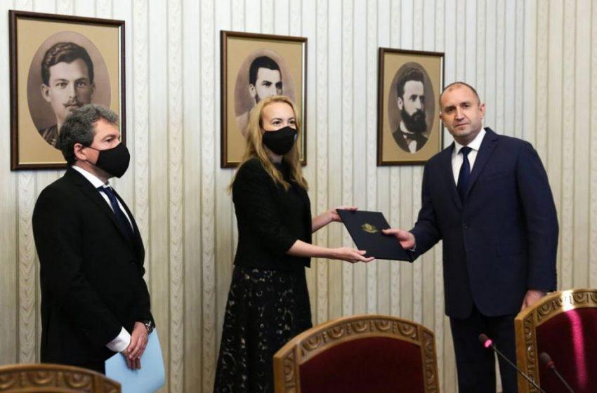 Антоанета Стефанова от ИТН върна мандата веднага