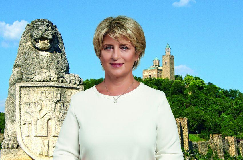 Весела Лечева поиска от Нинова да поеме персонална политическа отговорност