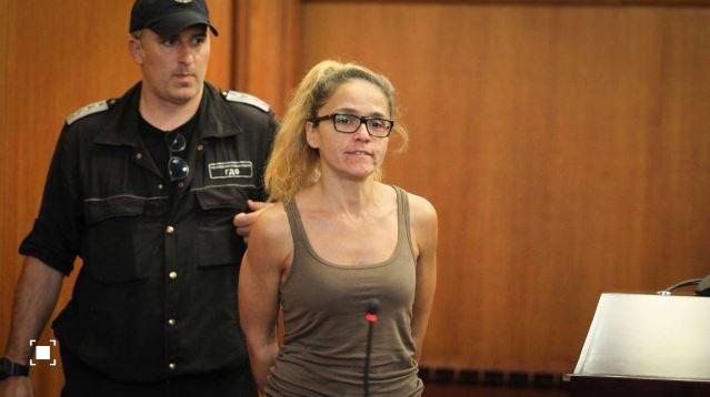 Подсъдима за корупция кметица се похвали, че забременяла